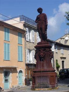 Mougins statue