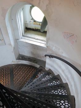 Climbing inside Cana lighthouse