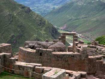 intihuatana at center of Pisac citadel
