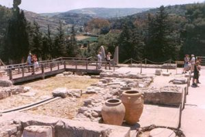 ancient artifacts uncovered at Knossos