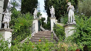 Achilleion statues