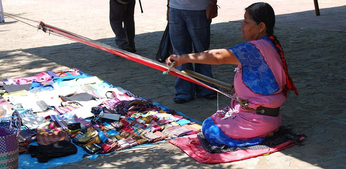 oaxaca woman weaving