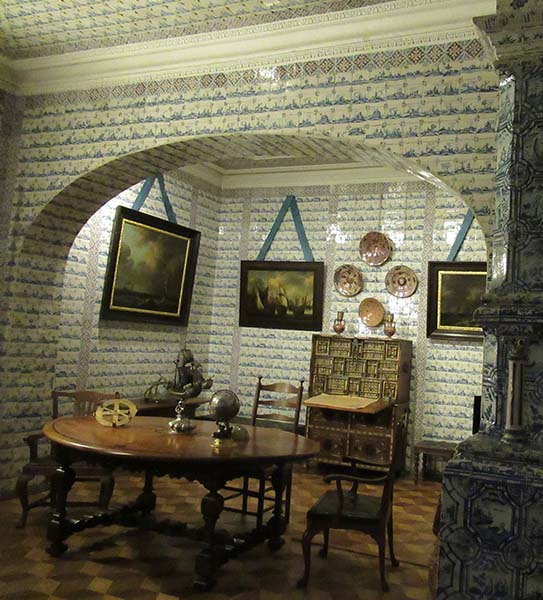 Dutch porcelain room
