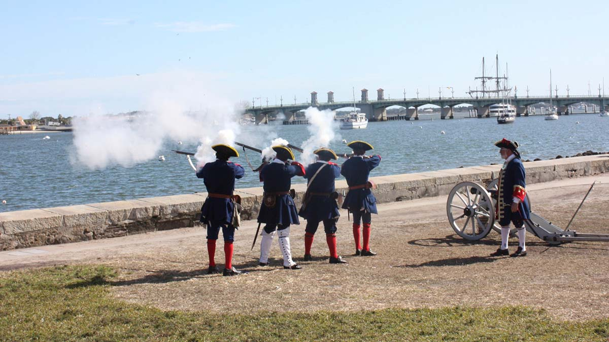 Recreation of soldiers at Castillo San Marcos
