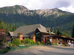 Halcyon Hot Springs lodge