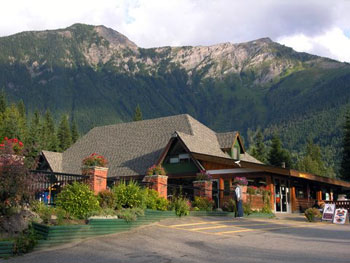 Halcyon Hot Springs lodge