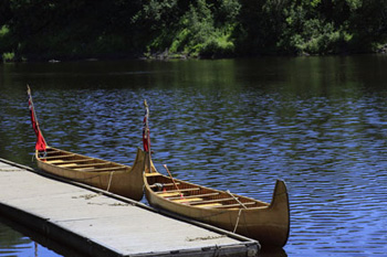canoes at Fort William dock