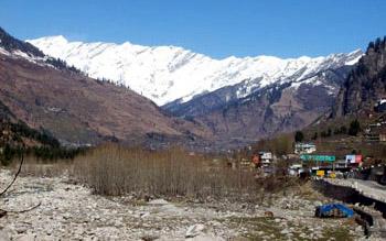Snowy Himalaya mountains in India