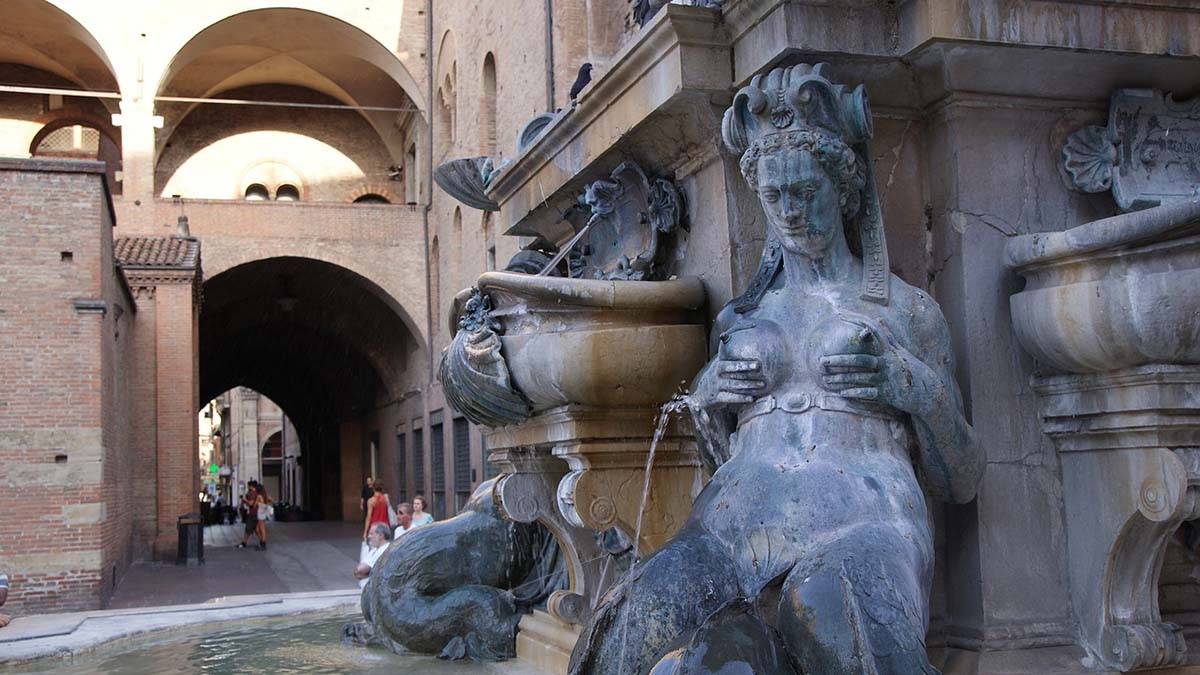 Fountain of Nepture in Bologna