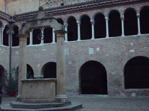 stone bench where Dante sat