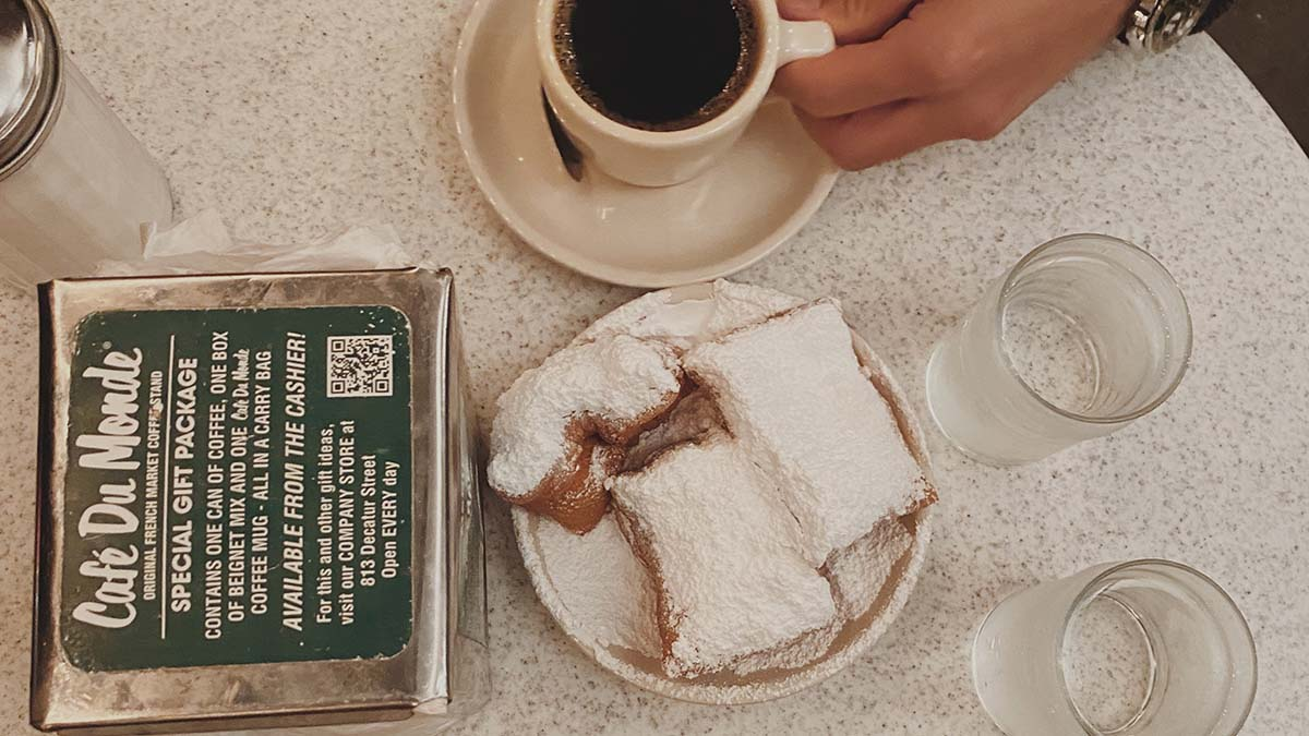 beignets and coffee at Cafe du Mondej