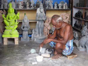 stone carver in Mahablipuram