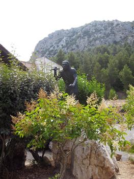 Statue of Tautavel Man at Tautavel Museum