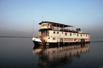 Assam cruise boat, Charaidew