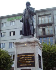 statue of Gutenberg