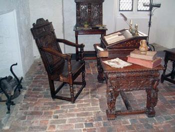 Sir Walter Raleigh room