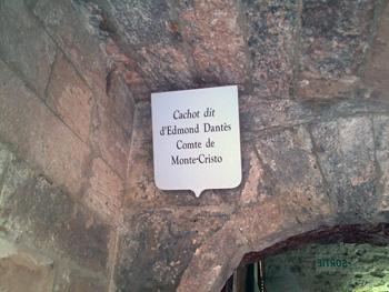 Sign over Edmond Dante's cell