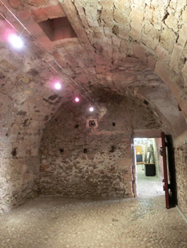 Inside Edmond Dante's cell