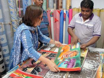 shopping for rickshaw art