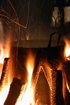 open fire fish boil