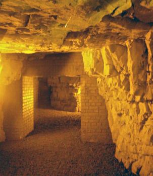 medieval tunnel (boves)