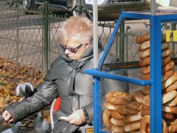 pretzel vendor in Krakow