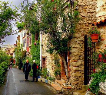 Bonifacio Corsica walkway