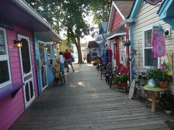 Olcott Beach souvenir shops