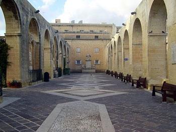 Valletta colon nade