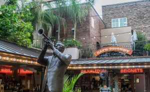 Musician statue at Cafe Beignet