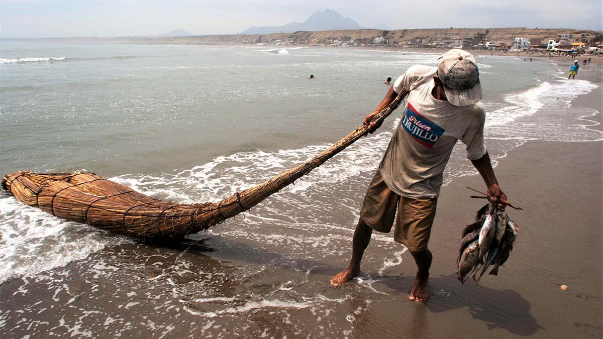 Totora reed raft