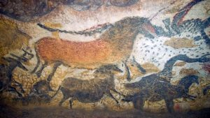 Lascaux cave painting of animals
