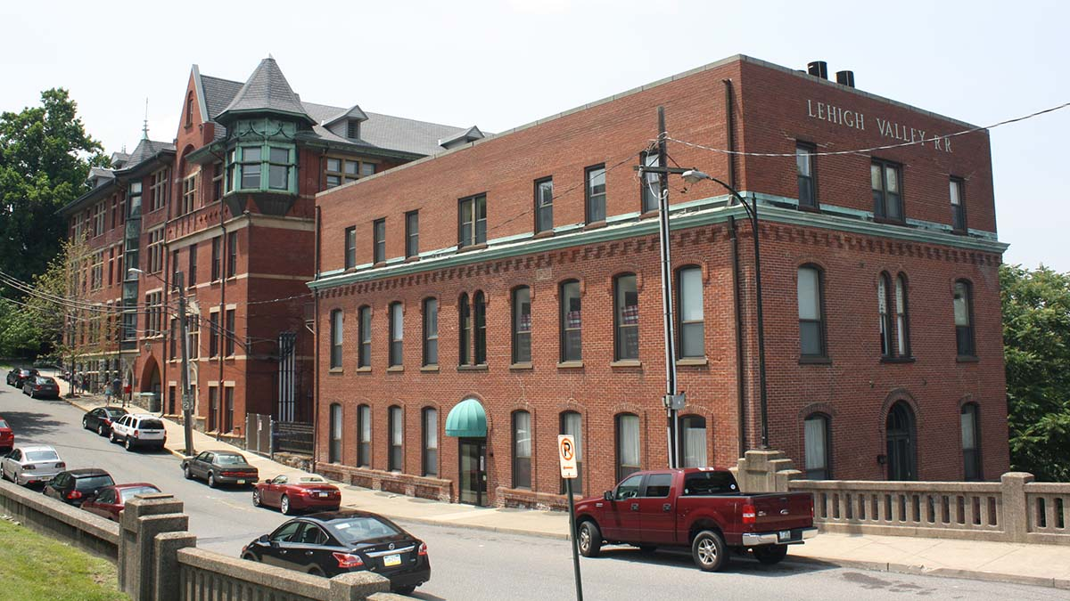 Wilbur Trust & Lehigh Valley RR building