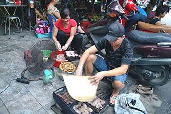 Hanoi street cooks