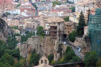 houses on cliffs in Cuenca