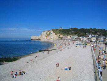 Étretat beach and cliff