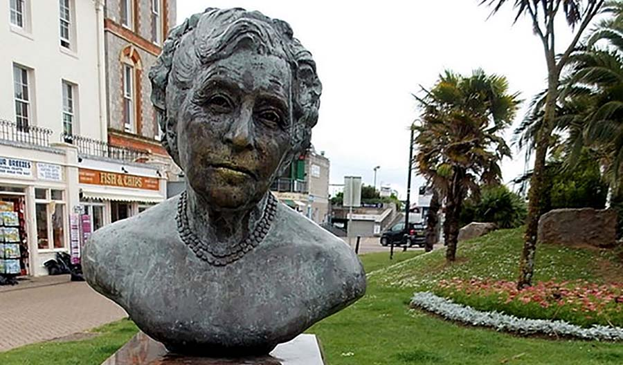 bust of Agatha Christie in Torquay