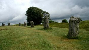 arc of standing stones, Avebury