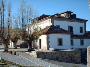 Vaughan Town residence