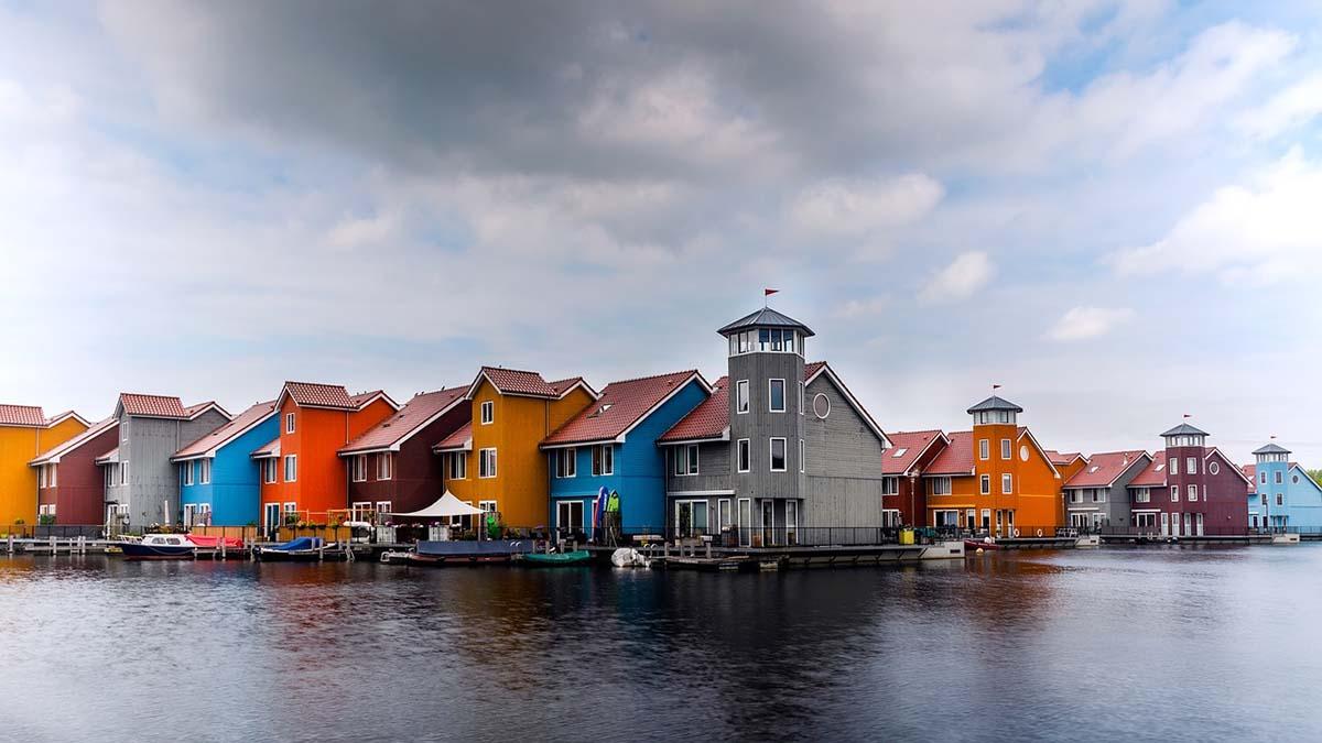 Groningen waterfront houses