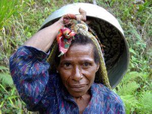 indigenous PNG woman