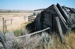 crumbling Saskatchewan farm building